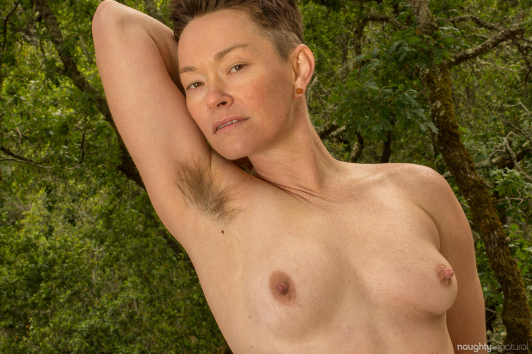 Jiz Lee Naughty Natural hairy nonbinary
